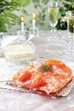 Salmon with cognag-mustard dressing Winter Treats, Christmas Kitchen, Fish Dishes, Party Snacks, Fish Recipes, Recipies, Food Pictures, Food Inspiration, Love Food