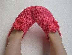 Crochet Slippers for Women Pink  flowers  Home by selmahandcraft