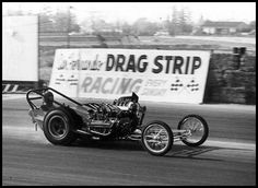 When he returned to California after the successful 1960 eastern tour, Ivo installed Tony Nancy's blown Buick on the left side and became the 1st Gas Dragster to break 180mph @ San Fernando . . .