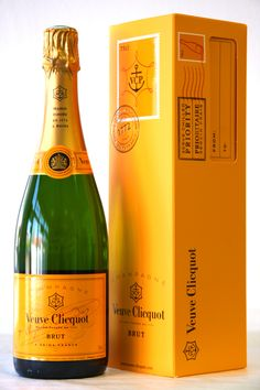 Veuve Clicquot Champagne   www.vinopredaj.sk