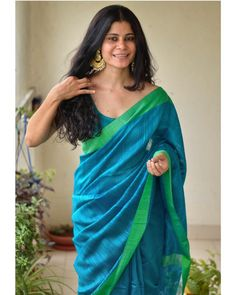 indian designer wear Want to shop the best light weight party wear saree designs of this summer Do check out this brands collection. Kerala Saree Blouse Designs, Saree Jewellery, Indian Attire, Indian Outfits, Indian Beauty Saree, Indian Sarees, Saree Trends, Saree Models, Latest Sarees