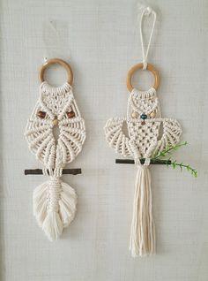 마크라메 일상 : 네이버 블로그 Macrame Owl, Micro Macrame, Owl Patterns, Macrame Patterns, Diy Projects To Make And Sell, Macrame Design, Macrame Projects, Yarn Crafts, Weaving