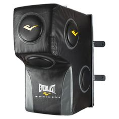 Everlast Wall-Mounted Heavy Bag DESCRIPTIONbr> Specially designed steel frame allows for easy set up on most walls. Made of high-quality leather for increased durability. Taekwondo Equipment, Mma Equipment, Training Equipment, No Equipment Workout, Karate, Fight Wear, Sparring Gloves, Workout Room Home, Mma Gloves