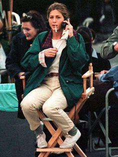 Rachel Green, friends Best Picture For jennifer aniston denim For Your Taste Y Rachel Green Outfits, Estilo Rachel Green, Rachel Green Friends, Rachel Green Fashion, Green Outfits For Women, Rachel Green Hair, Rachel Green Style, Hip Hop Outfits, Retro Outfits