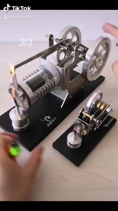 Mechanical Engineering Design, Mechanical Design, Light Bulb Art, Stirling Engine, Cool New Gadgets, Carpentry Projects, Energy Projects, Cool Inventions, Steam Engine