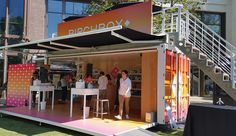 Unboxing Birchbox's Three-Day Beauty and Grooming Pop-Up at The Grove Container Design, Container Shop, Container Homes, Window Display Retail, Retail Displays, Shop Displays, Retail Store Design, Retail Stores, Pop Up Market