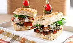 Chicken Club Sandwich - Go ahead, take an early lunch. Chicken Club, Chicken Bacon, Yummy Eats, Yummy Food, Tasty, Lunch Menu, Lunch Box, Creamed Cucumbers, Food To Go