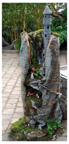 Large Fairy Garden, Fairy Garden Plants, Fairy Garden Houses, Gnome Garden, Fairy Gardening, Gardening Tips, Pallet Gardening, Balcony Gardening, Fairies Garden