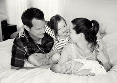 When is the best time to take newborn photos? //Newborn Photography Los Angeles