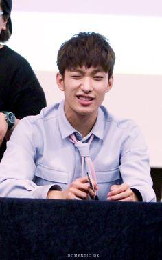 PLEDIS 17 Woozi, Jeonghan, Light Of My Life, Love Of My Life, Seventeen Lee Seokmin, Feel Like Crying, Crop Photo, Korean Idols, Pledis 17
