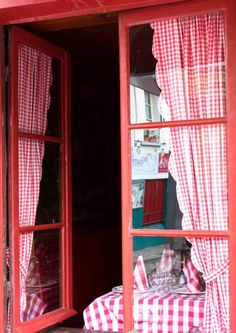 red and white checkered window in #montmartre #paris #france