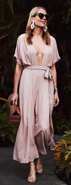 #spring #fashion / Pink Silk Maxi Jumper / Wood Clutch / Nude Sandals