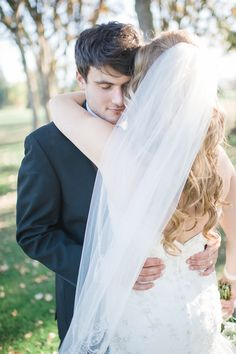 Couple Meets, Falls in Love on Instagram  Read more - http://www.stylemepretty.com/oregon-weddings/2014/01/28/southern-oregon-wine-country-wedding-at-rogue-valley-country-club/