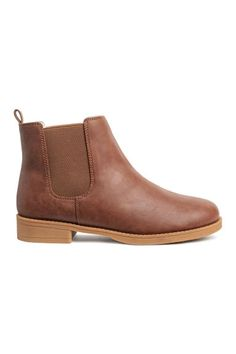 Chelsea boots with elasticized panels at sides and rubber soles. Bo Jackson Shoes, Shoe Wardrobe, Online Shopping Shoes, Black Leather Shoes, Childrens Shoes, Water Shoes, Brown Boots, Chelsea Boots Brown, Womens Chelsea Boots