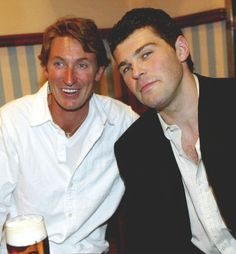 Gretzky and Jagr and beer. (Source: dougthethughamilton)