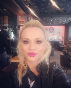Pink lips make my day