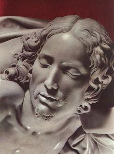 Микеланджело,  Пьета ( голова Иисуса деталь) фото