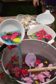fairy soup - happy hooligans - outdoor sensory activities for kids My kids love this kind of play! Me and my cousin made this all the time Forest School Activities, Sensory Activities, Sensory Play, Summer Activities, Toddler Activities, Play Activity, Indoor Activities, Family Activities, Outdoor Activities For Preschoolers