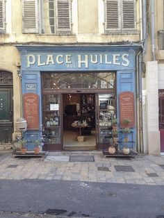 Storefront in Aix Fr