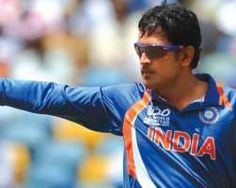 India skipper Mahendra Singh Dhoni won the toss and elected to field against George Bailey Australia in the fourth one-dayer of the seven-match series at the JSCA International Stadium Complex on Wednesday.
