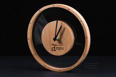 Деревянные часы Wood Projects, Woodworking Projects, Living Room Clocks, Handmade Clocks, Kitchen Clocks, Wall Clock Design, Clock Art, Wood Clocks, Wood Home Decor