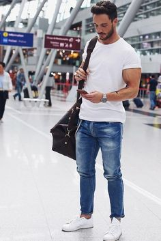 Airport Outfit Style For Men. #mens #fashion #style
