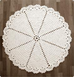 Ravelry: Pitsimatto - Lace Rug pattern by Pirjo M...free pattern!