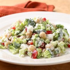 Broccoli Salad With Creamy Feta Dressing. Broccoli, red pepper, garbanzo beans and a feta dressing. Creamy Avocado Dressing, Salad Dressing, Chickpea Recipes, Healthy Recipes, Chickpea Salad, Lunch Recipes, Picnic Recipes, Detox Recipes, Salads