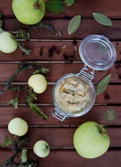 Słodki chutney z jabłek z kardamonem / Sweet apple chutney with cardamom