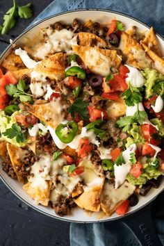 These keto nachos (with our legit tortilla chips!) are ultra delicious and easy-peasy! An ideal quick snack, weeknight meal or game day special! Low Carb Chicken Recipes, Healthy Low Carb Recipes, Low Carb Dinner Recipes, Keto Recipes, Snacks Recipes, Mexican Recipes, Dessert Recipes, Low Carb Tacos, Low Carb Diet