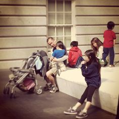 Glad to see families enjoying the Spring break! @National Portrait Gallery.