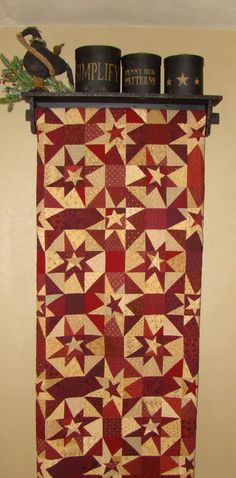 Red and tan stars--Beautiful, On the hunt for this pattern - love love love it!