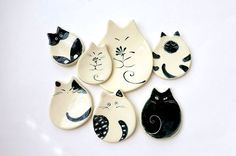 Cat Plate Ceramic Dish Trinket Cat Pottery Porcelain Dish Ring Plate Handmade Cat Lover Gift Cat Lady Black White Cat Design Whimsical Cat – In-house Factory Porcelain Clay, Stoneware Clay, Porcelain Jewelry, Cold Porcelain, Earthenware, White Porcelain, Diy Clay, Clay Crafts, Cat Lover Gifts