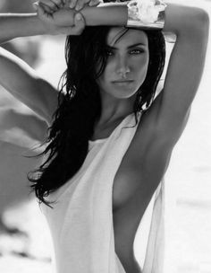 Best photo ever of Cameron Diaz-- wow--really a GREAT photo and with dark hair. hmm? I like it! :)