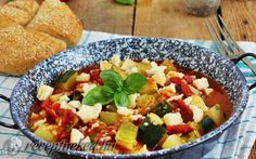 Paradicsomos cukkinipörkölt recept fotóval Cantaloupe, Salsa, Soup, Mexican, Meat, Chicken, Fruit, Ethnic Recipes, Salsa Music