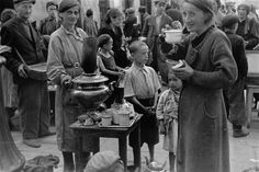 Tea in the ghetto, July/August 1941