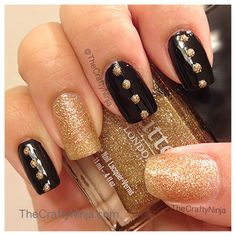 Black and Gold Nails.......