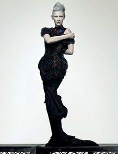 la_gatta_ciara: Стиль Тильды Суинтон: женщина с другой планеты.