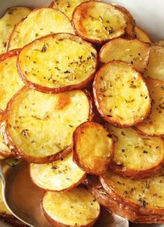 Low FODMAP & Gluten free Recipe -  Lemon oregano potatoes  http://www.ibssano.com/low_fodmap_recipe_lemon_oregano_potatoes.html
