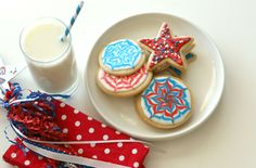 4th of July Pinwheel Royal Icing Cookies, icing on another pin it
