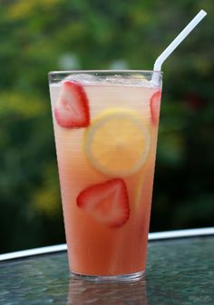 Strawberry Moscato Wine Cocktail
