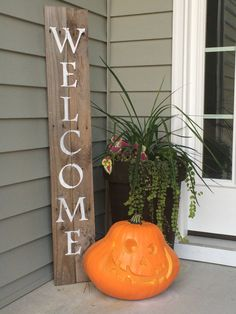 Welcome Pallet Sign on Reclaimed Wood by SassySouthernDarling