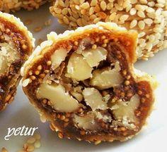 tarif anneme ait...çok lezzetli oluyor.tavsiyemdir... malzemelerimiz... 1/2 kğ kuru incir (üstü beyaz olanlardan değil daha soft...