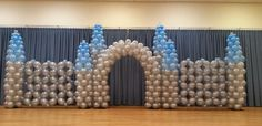 Quick link walls were used as part of the design to make this Castle created by The Balloon Connection a division of Twisted Artz in Orlando Florida Love Balloon, Balloon Wall, Balloon Arch, Balloon Ideas, Ballon Decorations, Diy Party Decorations, Centerpiece Decorations, 1st Birthday Party Themes, Frozen Themed Birthday Party