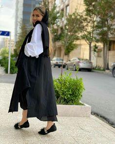 Workwear Fashion, Hijab Fashion, Fashion Outfits, Womens Fashion, Stylish Dress Designs, Stylish Dresses, Pav Recipe, Reddit Funny, Doodle Tattoo