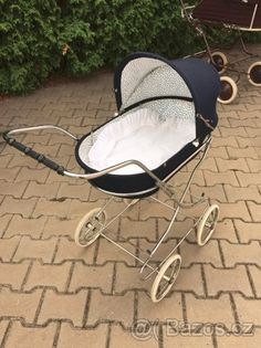 NÁDHERNÝ RETRO KOČÁREK PRO PANENKY - 1 Vintage Pram, Baby Carriage, Prams, Retro, Baby Strollers, Childhood, Bebe, Kids Wagon, Baby Buggy