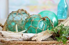 Craftberry Bush: Large glass buoys DIY - Pottery Barn Knock Off. Coastal Style, Coastal Decor, Lake Decor, Glass Floats, Beach Crafts, Diy Crafts, Coastal Homes, Coastal Cottage, Beach Themes