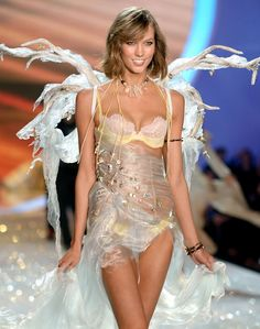 Karlie Kloss models for Victoria's Secret