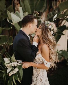 Wedding hairstyles - Kiss me, beneath the milky twilight ✨ Love the boho vibes here! From the dress to the flower crown and bouquet by kern ✨ Tag someone… Boho Chic Wedding Dress, White Lace Wedding Dress, Boho Wedding Hair, Wedding Dresses With Flowers, Wedding Bouquet, Bridal Hair With Flowers, Bohemian Chic Weddings, Bohemian Bride, Dream Wedding