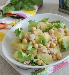Insalata fredda di patate ceci e tonno Best Italian Recipes, Favorite Recipes, Cena Light, Vegetarian Recipes, Healthy Recipes, Healthy Food, Cold Dishes, Fish Salad, Weird Food